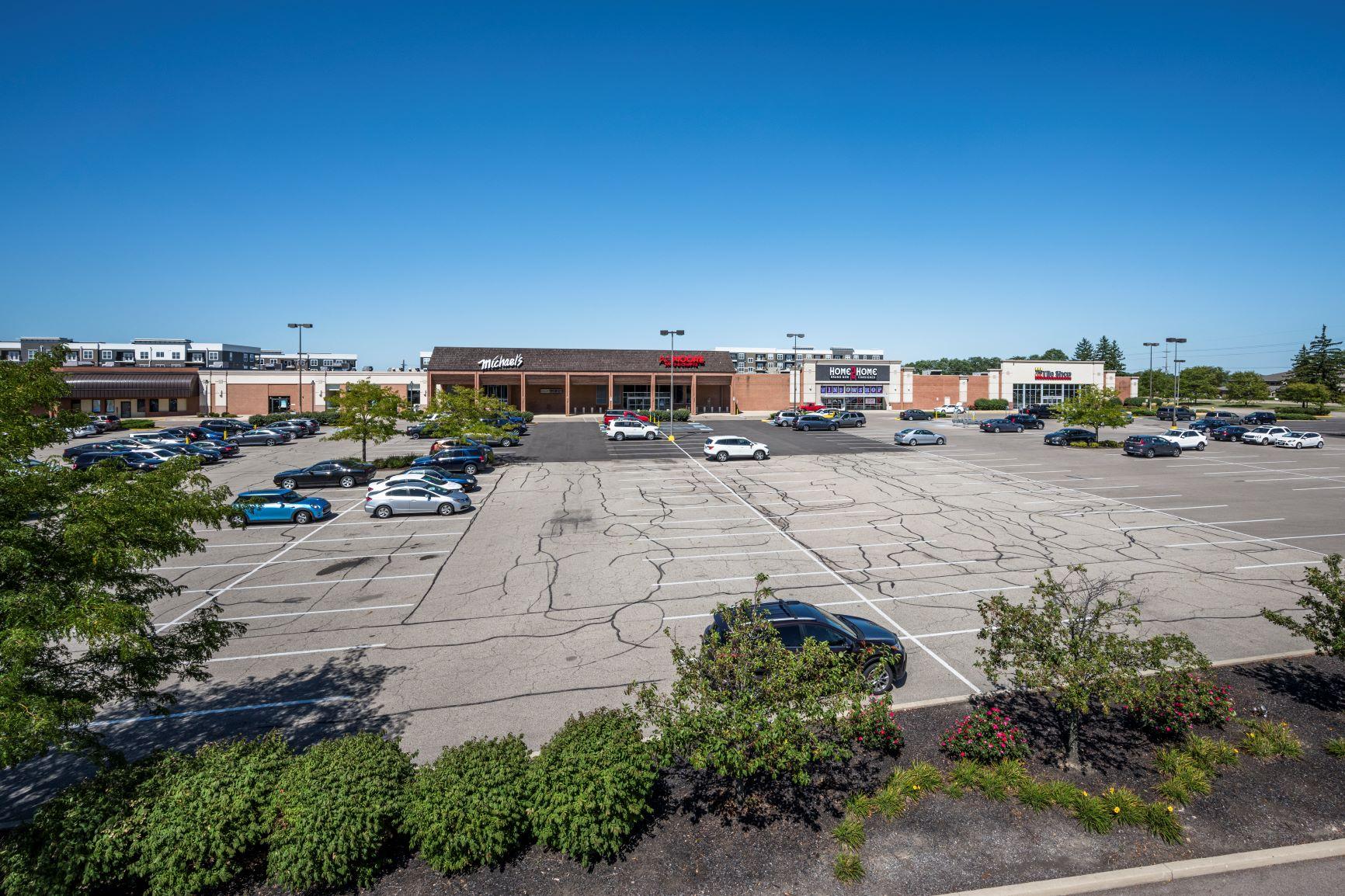 Cross Pointe Shopping Center