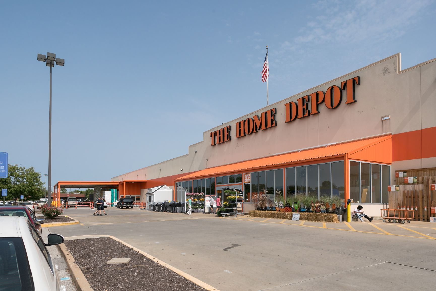 Overland Crossing - Home Depot