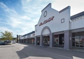 Ballwin Plaza - Pizza Hut