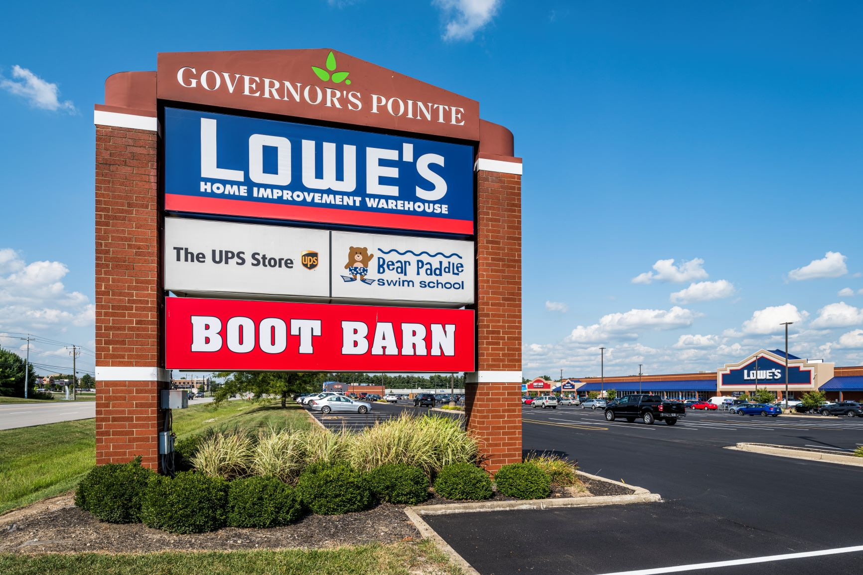 Governor's Pointe sign